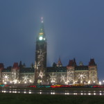 Canadian_Parliament_Centre_Block_showing_winter_decorations